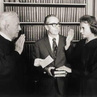 Sandra Day O'Connor taking oath